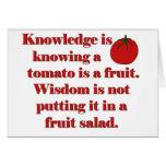El conocimiento está sabiendo que un tomate es una felicitación