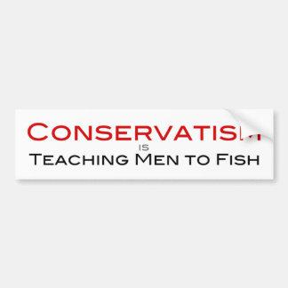 El conservadurismo está enseñando a hombres a pesc pegatina de parachoque