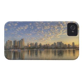 El considerar a través de False Creek el horizonte Funda Para iPhone 4