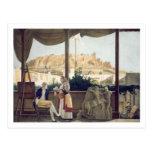El cónsul francés, Monsieur Fauvel, en la terraza Postal