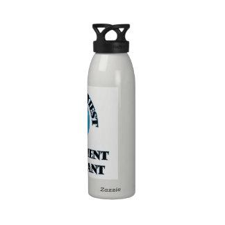 El consultor en administración de empresas más botella de agua reutilizable