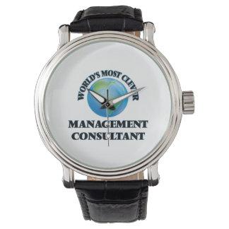 El consultor en administración de empresas más reloj de mano