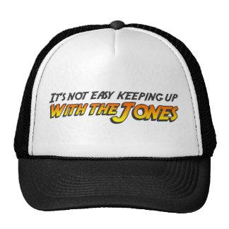 El continuar con el gorra del camionero de Jones