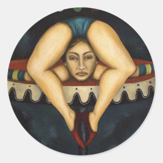 El contorsionista pegatina redonda