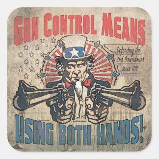 El control de armas significa dos manos retras pegatina cuadrada