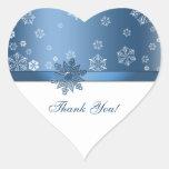 El copo de nieve azul y blanco del invierno le calcomania de corazon