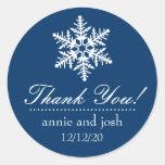 El copo de nieve le agradece las etiquetas (azul pegatina redonda