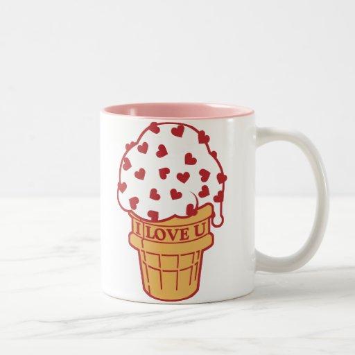 El corazón asperja el cono de helado taza dos tonos