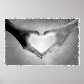 El corazón da la foto de B&W Póster
