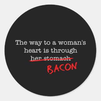 El corazón de la mujer del tocino pegatina redonda