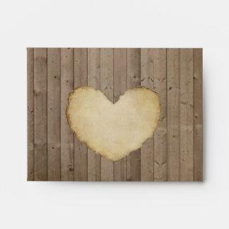 El corazón de madera rústico de los tableros de la sobres