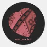 El corazón de Steampunk en rojo, añade su nombre Etiquetas Redondas