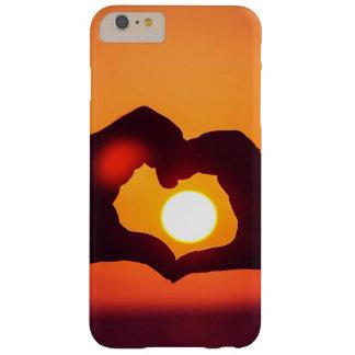 El corazón del amor da símbolo funda para iPhone 6 plus barely there
