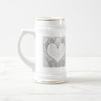 El corazón del cordón añade el texto tazas de café