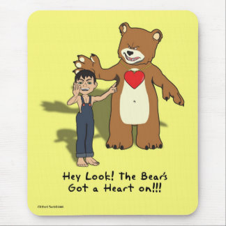El corazón del oso. alfombrillas de ratón