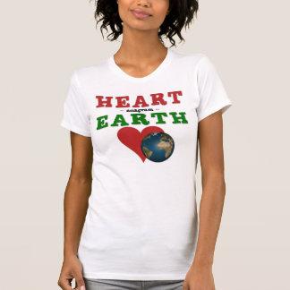 El corazón es anagrama para la tierra camiseta