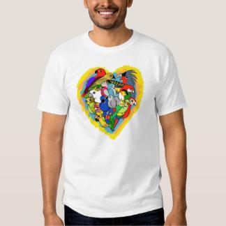 El corazón I repite mecánicamente el dibujo Remera