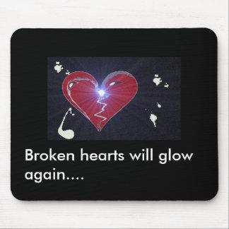 el corazón quebrado, los corazones quebrados brill mousepads