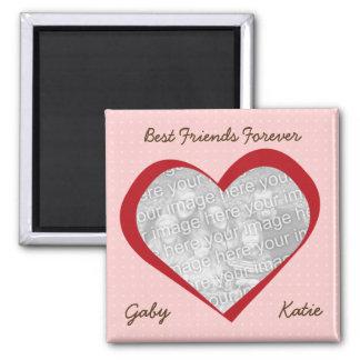 El corazón rosado puntea a mejores amigos de encar iman de nevera