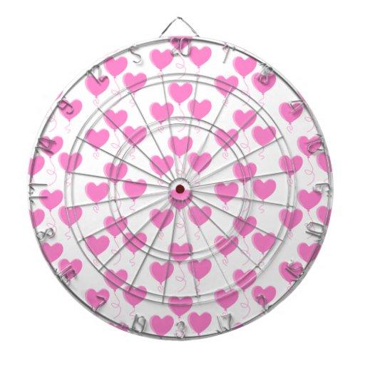 El corazón rosado romántico hincha el modelo tabla dardos