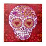 El corazón sonriente del amor del cráneo del azúca teja cerámica