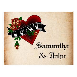 El corazón y el rosa del tatuaje ahorran la fecha postales