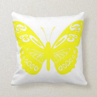 El cordón amarillo de la mariposa se va volando la cojin