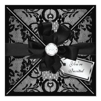 El cordón floral invita con el arco del diamante invitacion personalizada
