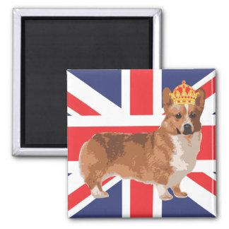 El Corgi de la reina con la corona y Union Jack Imán Cuadrado