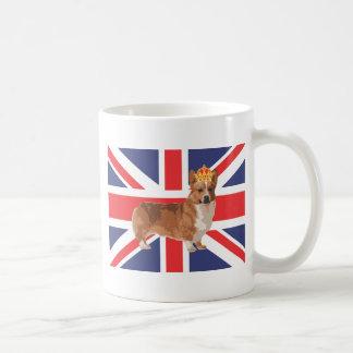 El Corgi de la reina con la corona y Union Jack Taza
