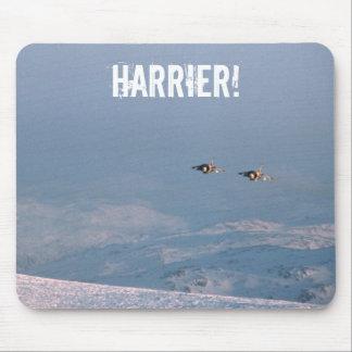 El corredor de cross salta el jet tapetes de raton