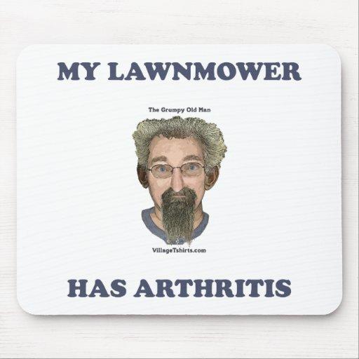 El cortacésped tiene artritis tapete de raton