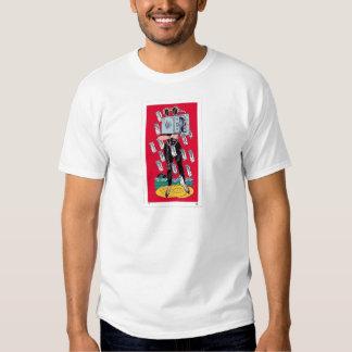 El cortocircuito del blanco de la camiseta de los camisas