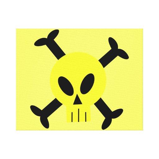 El cráneo amarillo y la bandera pirata estiraron l lona envuelta para galerias