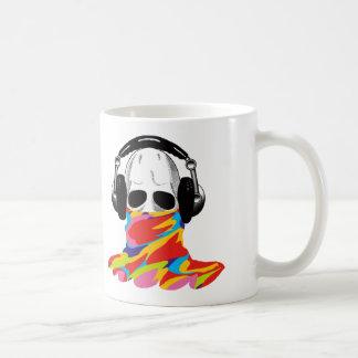 El cráneo: Auriculares y camuflaje del arco iris Taza De Café
