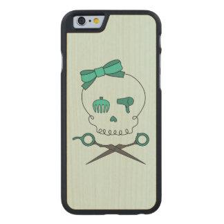 El cráneo del estilista y Scissor la bandera Funda De iPhone 6 Carved® De Arce