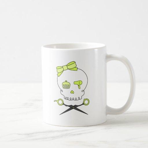 El cráneo del estilista y Scissor la bandera pirat Taza De Café