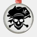 El cráneo del pirata con la cruz deshuesa el ornamentos de reyes