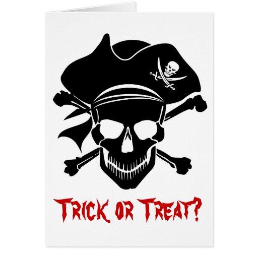 El cráneo del pirata con la cruz deshuesa la tarjeta de felicitación