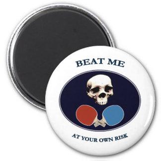 El cráneo del pirata me batió ping-pong imán para frigorífico