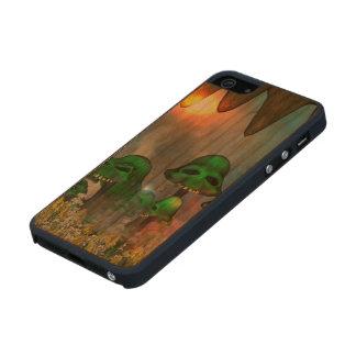 El cráneo verde divertido prolifera rápidamente funda de cerezo carved® para iPhone 5 slim