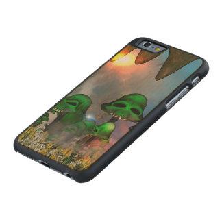 El cráneo verde divertido prolifera rápidamente funda de iPhone 6 carved® slim de arce