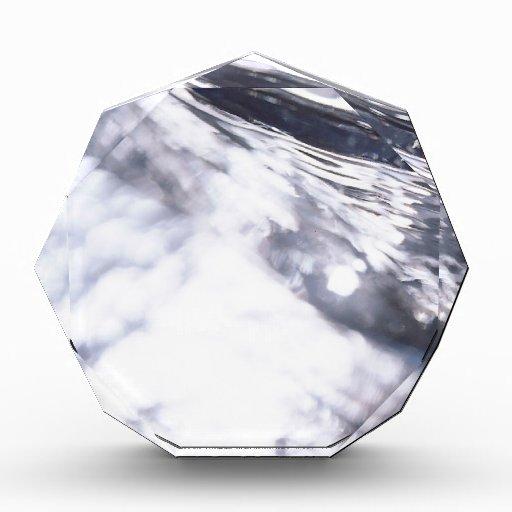 El cristal abstracto refleja el vidrio