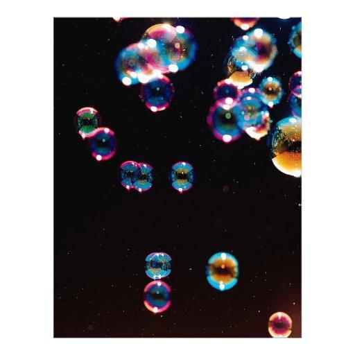 El cristal abstracto refleja la lluvia membrete