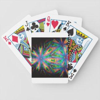 El cristal abstracto refleja las placas barajas de cartas
