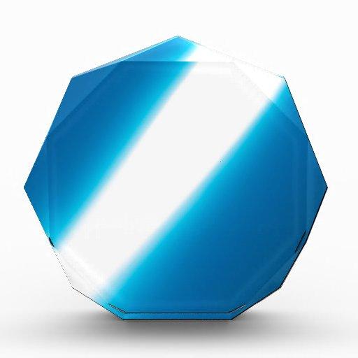 El cristal abstracto refleja ligeramente