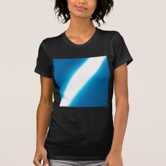 El cristal abstracto refleja ligeramente camisas
