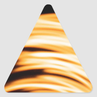 El cristal abstracto refleja salto pegatina triangular