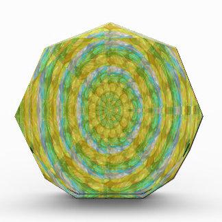 El cristal verde de la rueda de CHAKRA gotea los