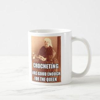 El Crocheting: Bastante bueno para la reina Taza Básica Blanca